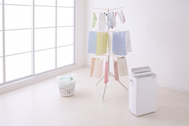 意外に見落としがちな排気ガスによるベランダの洗濯物汚れ対策
